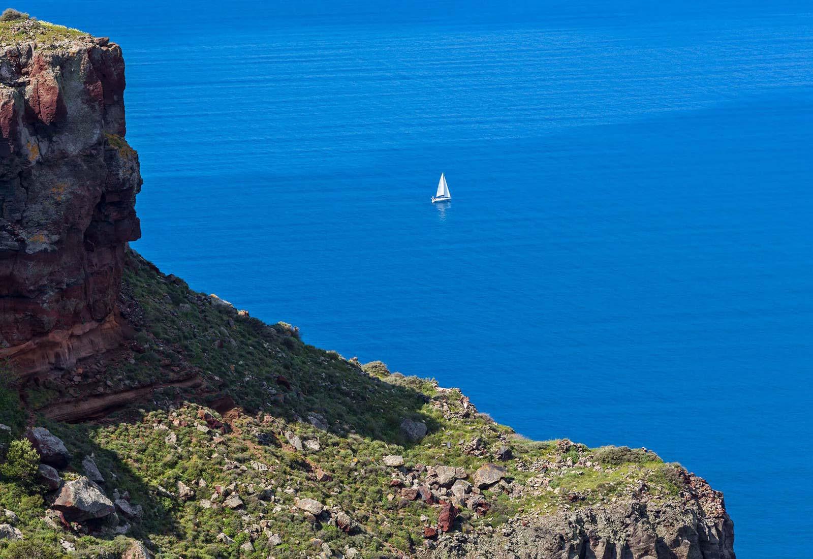 Hiking -Skaros Cliff